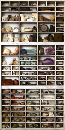 Fabulous way to display a rock collection.  And I need a place.  So many rocks, so little space.: Crystals, Rock Collection, Sacred Spaces, Collection Display, Display Idea, Crystal Healing, Rocks, Mineral Collection