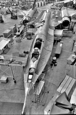 Fascinating photos reveal how they built the SR-71 Blackbird: Built and designed in the 1960s after the A-12 Oxcart, the SR-71 Blackbird is still the fastest, most vanguardist air-breathing airplane in the history of aviation. These once classified photos