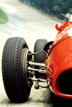 Ferrari 500 F2 [1952] A lot of respect for those pilots who hit corners at 200 km/h with the simple drum brake technology, without any adherence..: Race Cars, Sports Cars, Cars Collection, Auto, Ferrari 500