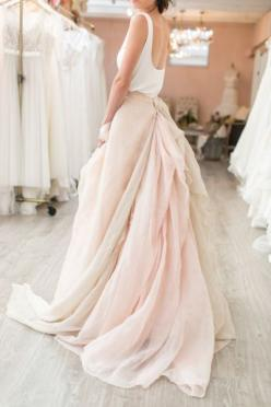 Follow me, and i will follow you back!! :)) <3 @caithlynlittle: Classy Dress, Simple Wedding Dress, Simple Wedding Gown, Blush Wedding Dress, Wedding Outfit, Blush Wedding Gown
