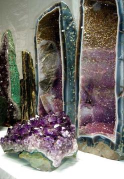 Formations from Brazil ~ This is so cool! You can see Citrine at the top, Amethrine in the middle & Amethyst on the bottom! <3!: Gemstones, Mineral, Crystal Formation, Crystal Caves, Crystals Rocks, Amethyst Crystal