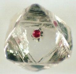 """Garnet Inclusion in Diamond  This stone is classified as """"flawed"""" but I don't think so: Gemstone, Diamonds Reveal, Flawed Diamonds, Garnet Inclusion, Mineral Friends, Lost Earth, Rough Diamond"""