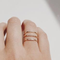 gold stacking rings with qtys of 9, 4, 11 diamonds on each different ring... my wedding date.: Gold Valejewelry, Fashion, Diamond Rings, Vale Jewelry, Jewelry Valejewelry, Wedding Band, Gold Rings, Jewels