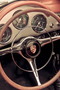Great big steering wheels with an inner horn rim and always a beautiful medalian logo in the center.: Beautiful Medalian, Classic Porsche, Classic Cars, Vintage Cars, Steering Wheels, Porsche356, Auto, 356 Dashboard, Porsche 356