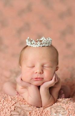 I dare you not smile at this baby!!: Babies, Idea, Princess, Crowns, Sophia Rhinestone, Baby Girl, Baby Pictures, Enchanted Shimmer