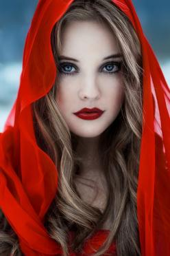 i would love to draw some of these. maybe black and white with a little red or blue colored pencil...: Face, Little Red, Red Riding Hood, Hoods, Makeup, Beautiful, Red Lips, Beauty, Eye