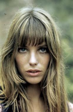 Jane Birkin - hair and makeup: Birkin Hair, Janebirkin, Girl, Hairstyle, Hair Style, Beauty, Fringe, Jane Birkin