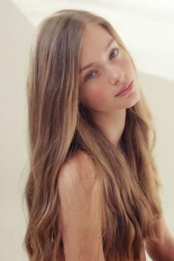 Lauren de Graaf - Added to  Beauty Eternal  - A collection of the  most beautiful women.: Faces, Count, Beautiful Women, Pretty Girl, Beauty, Beautiful Face, Hair, Beautiful Girls