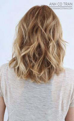 Layered Wavy Hairstyle for Medium Hair: Medium Blonde Hair Cut, Medium Length, Medium Hair Layer, Popular Haircut, Hair Style, Lob Hairstyle, Hair Color