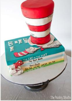 Let me top off my love affair with The Pastry Studio with this delightful Dr. Seuss cake design. Look at how real the stack of books look! I am in awe of this level of expertise. Isn't it amazing? #cake_stand, #wedding, #cakestand: Cat, Cakes, Seuss P