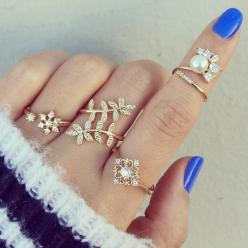 Like What You See :) Follow Me on Pinterest: ♚Lady♚ or QUEENLADY100: Luxury Lìfє, Pretty Rings, Rings Fashion, Jewelry Accessories Charms, Jewellery, Jewelry Accessories Nails, We Heart It, Fashion Jewelry, Bags Accessories Jewelry