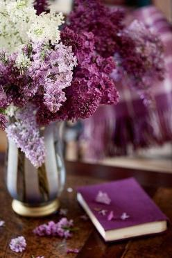 Lilac Flora ....♥♥ ~ hombre and earthy scented flowers, metal, books all nice together.: Beautiful, Book, Purple Passion, Color Purple, Flowers, Lavender, Garden