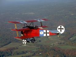 looks kind of like a crop duster ... they would scare me to death when I was a child.  :): Red, Biplanes Triplanes, Fokker Triplane, Vintage Airplanes, War Birds, Antique Airplanes, Planes Flight, Wwi Aircraft, Gerry Airplanes