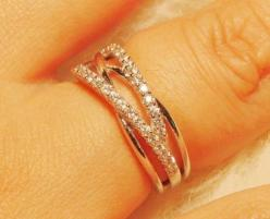 Love all the skinny sparkly criss-crossed bands. Stick a .75 diamond in there, and it's perfect!: Simple Unique Engagement Ring, Engagement Band, Wedding Ideas, Dream, Simple Wedding Ring, Wedding Bands, 45 Sparkling, Wedding Rings, Engagement Rings