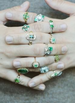 Love the unique style of emerald vintage engagement rings.: Beautiful Emeralds, Vintage Style Emerald, Emerald Wedding Ring, Green Engagement Ring, Green Emerald Engagement Ring, Vintage Emerald Ring
