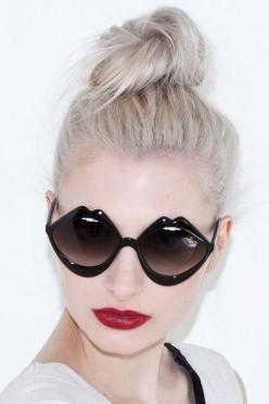 Lovely Black Lip Sunglasses! at KG Street Style: Sun Glasses, Womens Fashion, Ray Bans, Cat Eye, Fashion Styles, Cheap Ray, Rayban Sunglasses, Ray Ban Sunglasses, Raybansunglasses