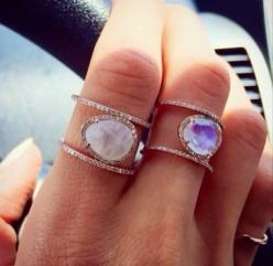 <3: Moonstone, Beautiful Rings, Jewelry Accessories, Crystal Ring, Stone Rings, Sparkle, Bling Bling