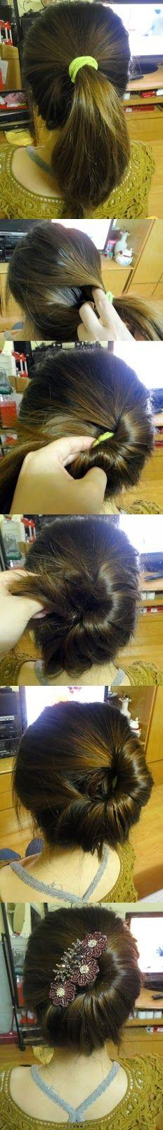 Make A Chignon For Your Hair, don't really care for the piece in her hair but love the idea: Idea, Hairstyles, Hairdos, Hair Styles, Makeup, Updos, Hair Do, Side Bun, French Twist
