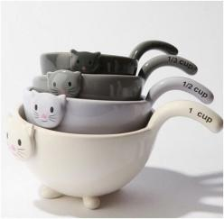 Measuring Cups: | Community Post: 20 Cat-Themed Items You Need For Your House Right Meow: Cats, Kitty Cat, Kitty Measuring, Cat Measuring, Measuringcups, Crazy Cat, Measuring Cups, Kitchen, Cat Lady