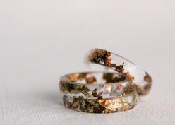 Minimal and elegant, this resin ring is filled with flakes of copper, gold, and green. $50.: Style, Resins, Resin Ring, Flakes, Glass, Jewelry, Rings, Gold