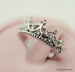 Nicee  : Fashion, Crowns, Queen, Jewelry, Crown Rings, Accessories, Cutout Crown