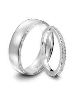Our Tacori wedding bands to match the engagement ring. I wouldn't mid doing this since our rings are silver. <3: Wedding Ideas, Weddings, Diamond, Tacori Wedding, Tacori Engagement Rings, Wedding Bands, Matching Wedding Rings, Matching Wedding Band