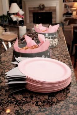 paper plate idea. saves plates because no one walks off with two, guest time because they don't have to eel them apart, and mass frustration from everyone else: Cat Birthday Parties, Kitty Cats, Plate Idea, Cat Party, Party Ideas, Birthday Party