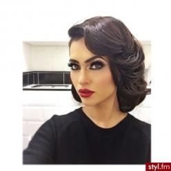 pinterest: @ nandeezy †: Make Up, Hair Pinup, Classic Pinup Hair, Beauty, Brunette, Hair And Makeup