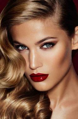 Screen Siren makeup. Love this hair and makeup: Face, Makeup, Bombshells, Charlotte Tilbury, Redlip, Beauty, Hair Color, Red Lipstick