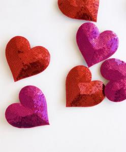 sequined hearts: Graphic Design, Web Design, Valentines, Webdesign Ideas, Heart Pin, Hair