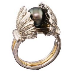 Shy Black Pearl Ring! _ Here's a beautiful black pearl ring called Shy Pearl Ring.  I really like how the black pearl shines the whole ring, definitely a recommended buy.  (might even be good enough for engagement rings). Encrusted with eighty-two sparkli