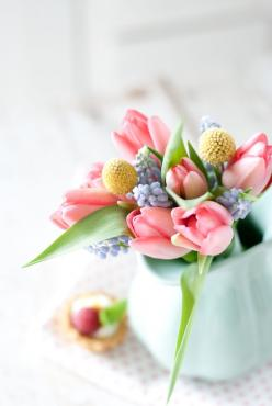 so pretty: Flowers Pale, Spring Flowers, Beautiful Spring, Pastel Floral, Tulip, Flower Arrangements, Spring Floral, Floral Arrangements