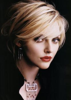 Sophie Dahl-hair+style.: Short Hair, Haircuts, Hairstyles, Sophie Dahl, Hair Styles, Makeup, Hair Cut, Shorts
