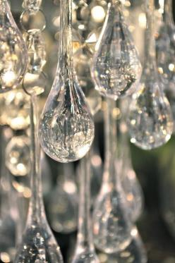 Source: randombeautysls - http://randombeautysls.tumblr.com/: Crystals, Crystal Drop, Chandeliers, Posts, Christmas, Glass, Sparkle, Light, Tear Drop