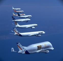 The AIRBUS AIRCRAFT family in formation. I'm not a fan of Airbus but ....aaahhhhh, how lovely. Whoever was flying the A321 doesn't have much formation experience by the looks of it.: Airbus Aircraft, 715 Plane47 Jpg 1 024 997, Airbus Planes, Airpl