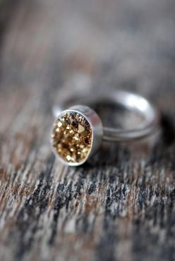 "The answer to ""not doing gold"" but still wanting a dash of gold in your jewelry collection ;-): Rush Ring, Lil Gold, Gold Rush, Goldrush, Gold Rings Jewelry, Jewelry Rings"