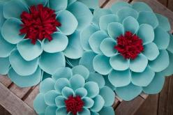 This flower is very BOLD just like the family they try their hardest not to give up!: Inspiration, Red Flower, Wallflowers Set, Color Palette, Aqua, Felt Flowers, Red Wallflowers, Color Combination