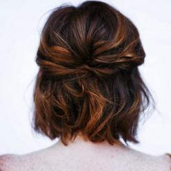this hair is so cute I wish my hair was naturally this wavy... dang it curls: Short Hair Highlight, Cute Short Hairstyle, Bob Updo Hairstyle, Short Hair Wedding Style, Hair Color, Cute Short Hair Style