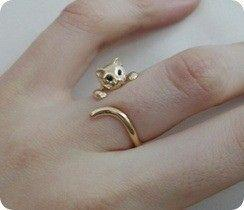 This ring is much harder to find online than I thought.Maybe someday I'll actually find it?: Cats, Cat Ring, Style, Jewelry, Rings, Accessories