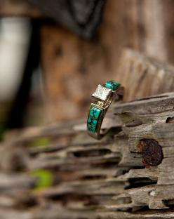 Turquoise and diamond ring. There is not a link to purchase the ring, or to the maker. Wish I could find a ring like this.: Turquoise Rings Engagement, Dream Ring, Turquoise Wedding Rings, Wedding Ideas, Dream Engagement Rings, Turquoise Engagement Rings,