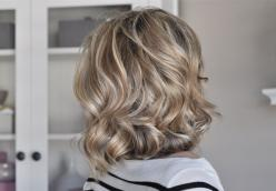 Tutorial on how to softly curl short to mid-length hair. This is making it even harder for me not to cut my hair!: Curled Short Hairstyles, Curls Short Hair, How To Curl Short Bob, Evening Hairstyles Medium, Hair Styles, Hair Tutorial, Curled Bob Hairstyl