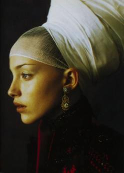 Vogue Italia 1997    Vogue Italia, September 1997: Face, Paolo Roversi, Italian Vogue, Style, Editorial, Headpiece, Beauty, Photo, Has