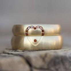 would love this with ruby stones or diamonds Wedding Band Set Yellow Gold Diamond Cognac by NangijalaJewelry, $4270.00: Diamond Cognac, Cognac Heart, Wedding Band Sets, Wedding Ring, Yellow Gold, Weddings, Gold Diamond, Wedding Bands