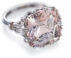 Wow. And on the practical side, the vine over the diamond helps hold the stone in the setting.: Engagementring, Wedding Ring, Diamond Rings, Morganite Ring, Sparkle, Pink Diamonds, Bling Bling, Engagement Rings