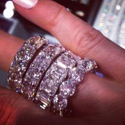 Wow: Rosy Luxury, Black Barbie S, Diamond Rings, Diamonds, Wedding Bands, Sparkle, Engagement Ring, Bling Bling