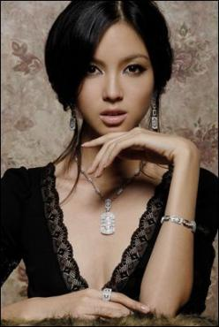 Zhang Zilin is a beauty queen and fashion model who won Miss China World in 2007 and was crowned Miss World 2007, representing China. She is the first Miss World of East Asian origin. Wikipedia: Face, Zhang Zilin, Asian Beauty, Beauty Queen, Photo, Hair,