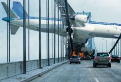 """crash""  Ps. Being an air disaster nerd I can safely say that this image is a piece of photoshop fakery! Good action movie feel but never happened. No way! Think about it. That Bridge would be toast. Remember 9/11?: Picture, Photos, Photo Manipula"