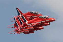 """500px / Photo """"""""REDS"""""""" by AirTeam Canon britain raf red arrows  plane jet: Photograph Reds, Aircraft, Jet Planes, Arrows Jet, Snowbirds Red Arrows, Jet Airplains, Photo Reds, Photograph Quot Reds Quot"""
