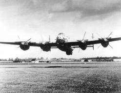 A low flying RAF Avro Lancaster.: History, Engine, Aircraft, Lancaster Bomber, Warplanes Vintage, Avro Lancaster, Aviation Warbirds, Wwii Warbirds