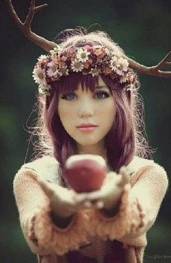 Absolutely gorgeous! Out of this world: Idea, Girl, Inspiration, Apple, Hair, Photography, Fairytale